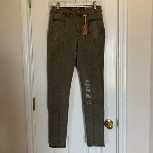 NWT American Eagle Army Green Skinny Jeans Size 4